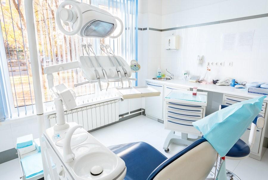 Удаление зуба в Москве